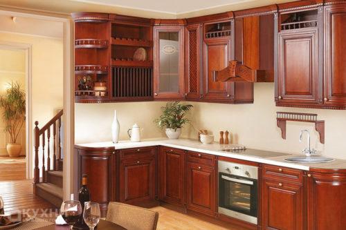 Кухня из массива ольхи «Грац» в Классическом стиле