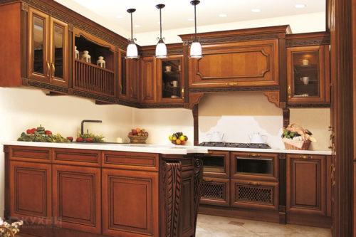 Кухня из массива ольхи «Ираклион» в Классическом стиле