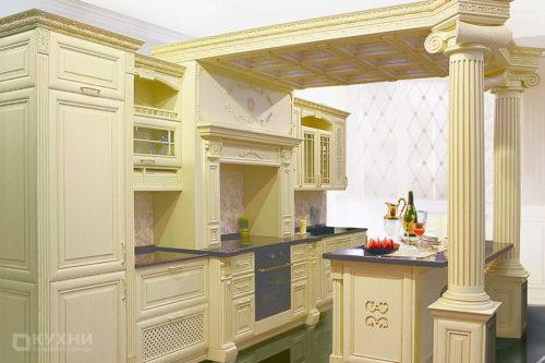 Кухня из массива ясеня «Пелла» в Классическом стиле