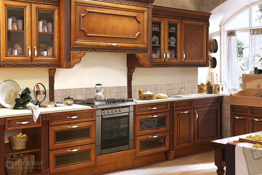 Кухня из массива ольхи «Салоники» в Классическом стиле