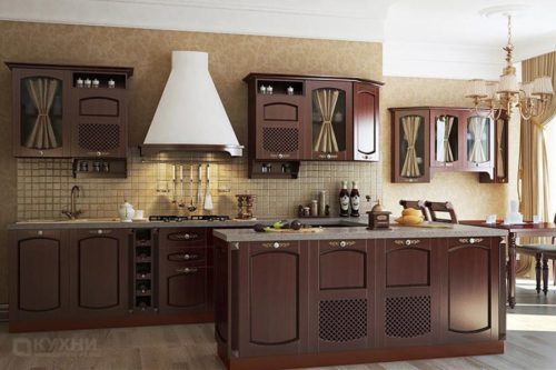 Кухня из массива ясеня «Дортмунд» в Классическом стиле